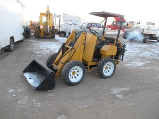 Hydra Boss 1500 Articulated Loader photo