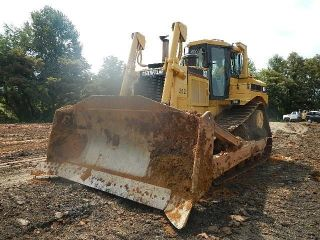 2001 Caterpillar D8r Dozer photo