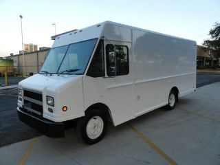 2003 Freightliner Fedex Step Van photo