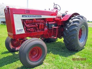 1964 Ih 806 Wheatland,  Completely Restored,  Large Rubber photo