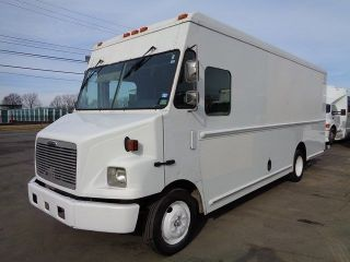 2002 Freightliner Mt45 photo