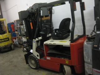 Nissan Cwgp02l30s Electric Forklift - Nissan 60 - Quad Mast - Chassis Only photo