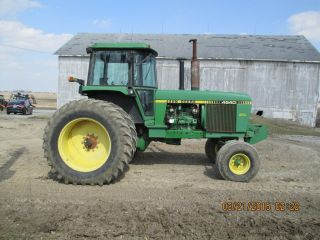 1979 John Deere 2wd 4640 Tractor photo