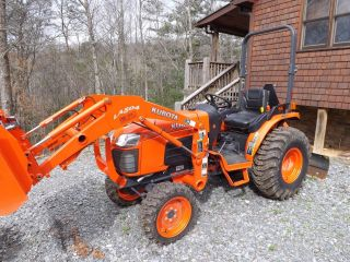2013 Kubota B3300 4wd With La504 Loader And Scrape Blade photo
