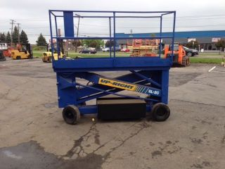 Upright 2033 Scissorlift 20 ' Deck Hgt,  26 ' Work Hgt,  Fully Operational,  Hd photo