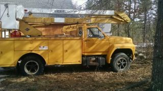 Ford 40 Foot Bucket Truck 1986 Needs Motor Work photo