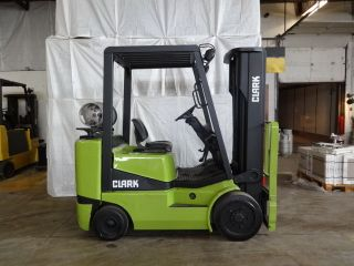 Clark C25 5000lb Cushion Forklift Lpg Lift Truck photo