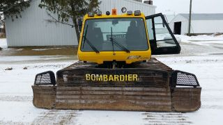 Bombardier Snowcat Br275 12 Foot Machine 2001 photo