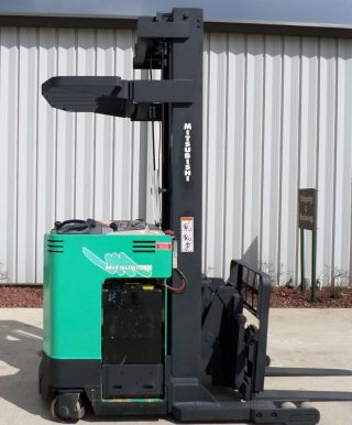 Mitsubishi Model Esr36 (2002) 4000lbs Capacity Reach Electric Forklift photo
