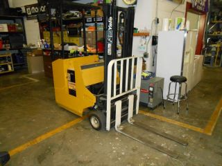 Yale Esc030 Forklift photo