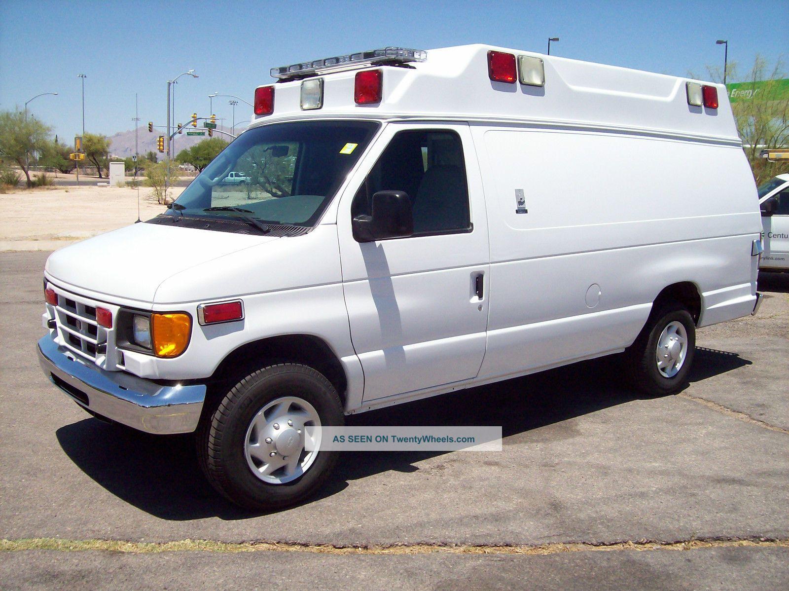 2005 Ford E350 Wheeled Coach Type 2 Ambulance