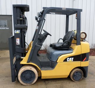 Caterpillar Model C5000 (2006) 5000lbs Capacity Great Lpg Cushion Tire Forklift photo