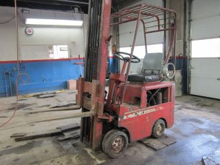 Clark Propane Fork Lift photo