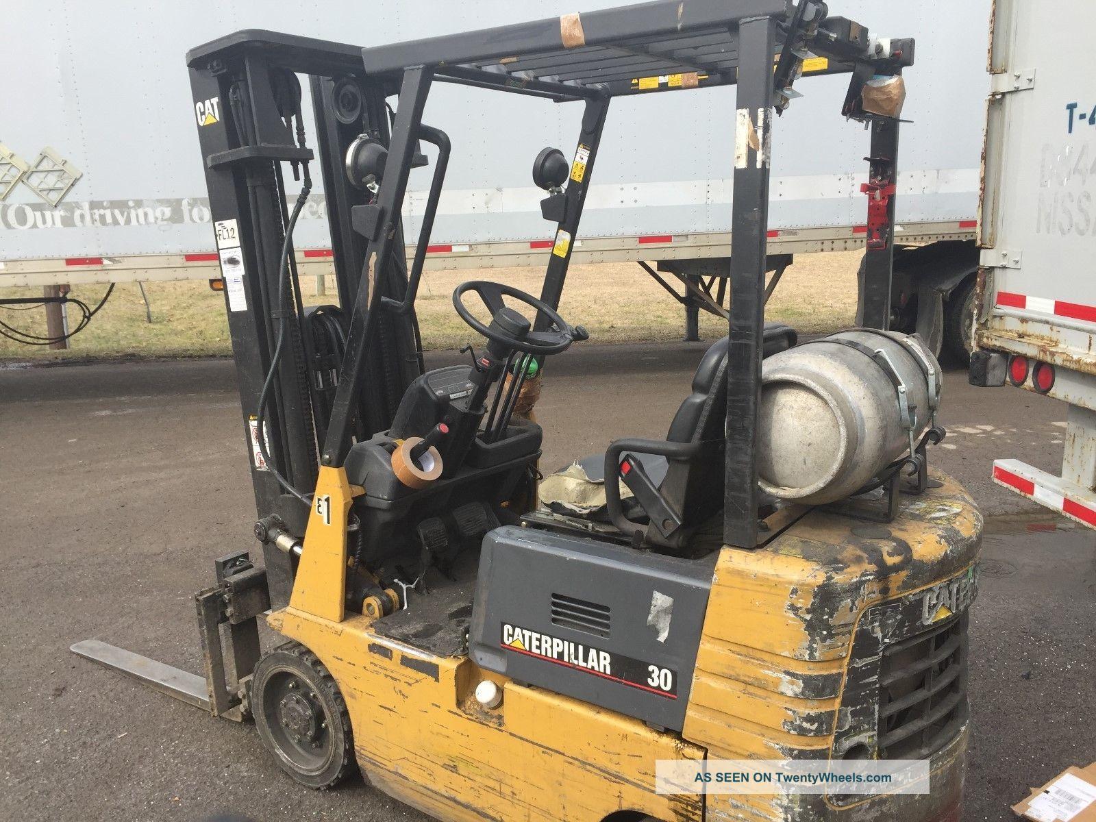 Catepillar 30 Forklift Lpg Propane 3 Stage Mast Cat 3000lb