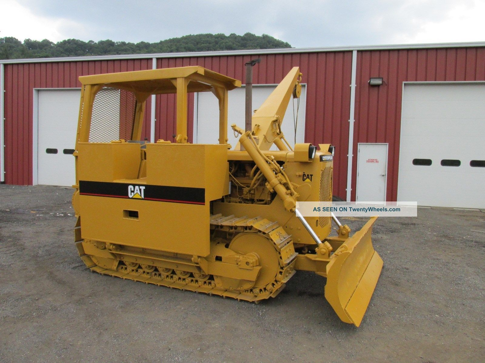 posatubi  pipelayer-posatubi Caterpillar_d4d_crawler_dozer_pipelayer_winch_good_uc_power_shift_2_lgw