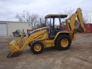2004 Caterpillar 420d 4x4 Loader Backhoe photo