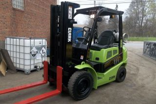 Clark 2013 C25l Pnuematic 5000 Lb Forklift 79/170 3 Stage Mast 2962 Hours photo