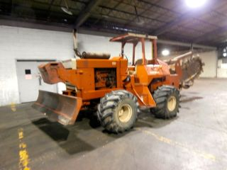 Ditch Witch R100 Trencher photo