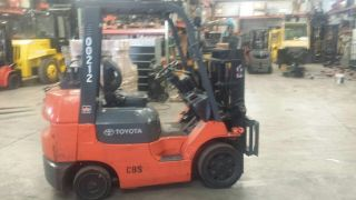 5000lb Toyota Forklifts photo
