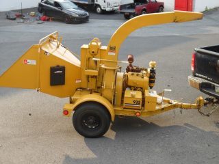 Vermeer 935bc 9 Inch Hydraulic Feed Chipper W/ 35hp Wisconsin Engine 440 Hours photo