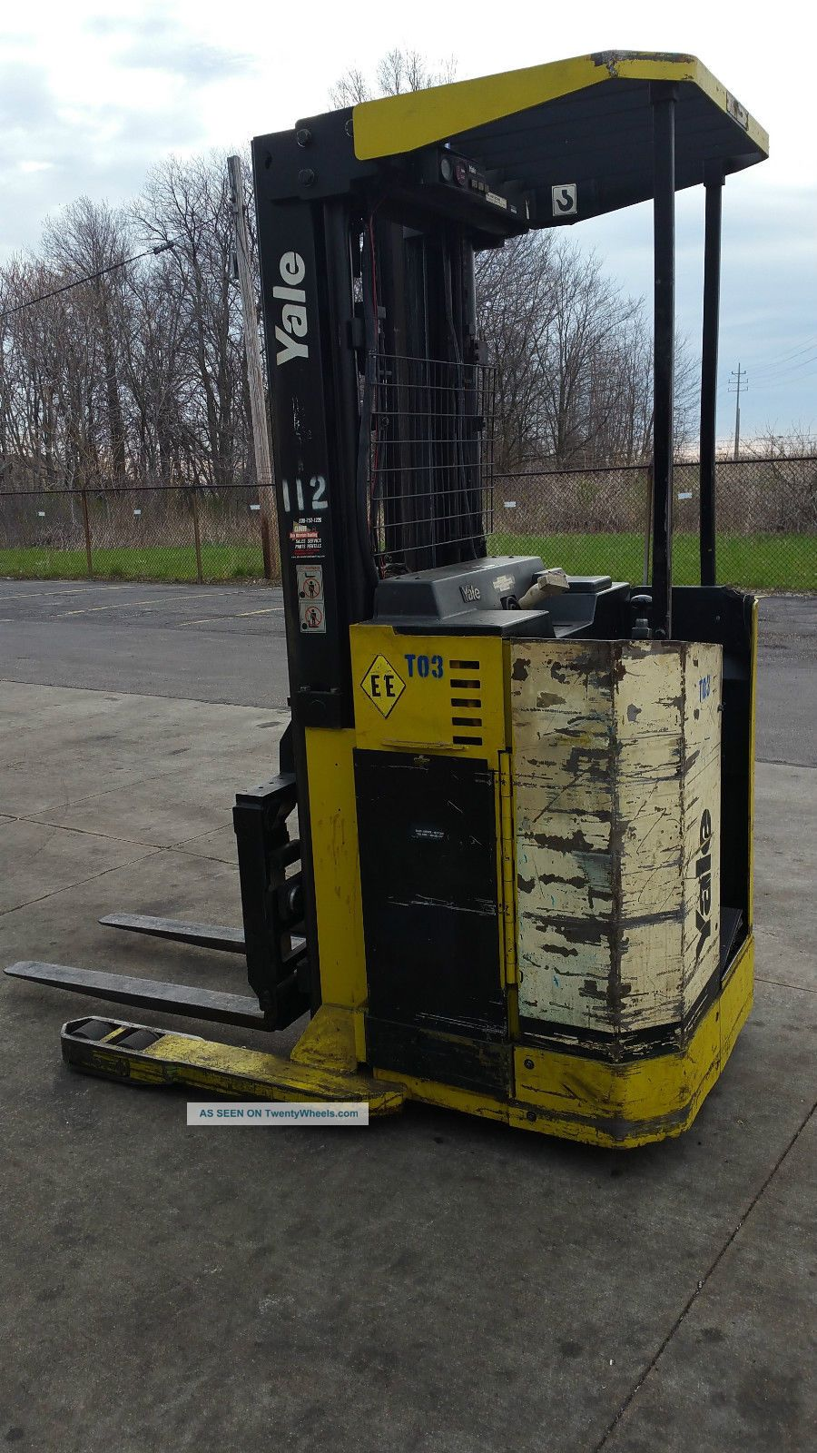 Electric Stand Up Reach Style Fork Truck Ee Rated With Charger
