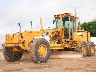 John Deere 772ch - Motor Grader - Road Maintainer - Grader - Deere - Cat - 34 Pics photo