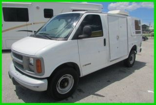 2000 Chevrolet Express photo