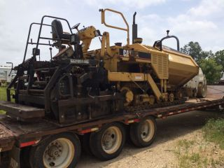 1999 Caterpillar 650b Asphalt Paver photo