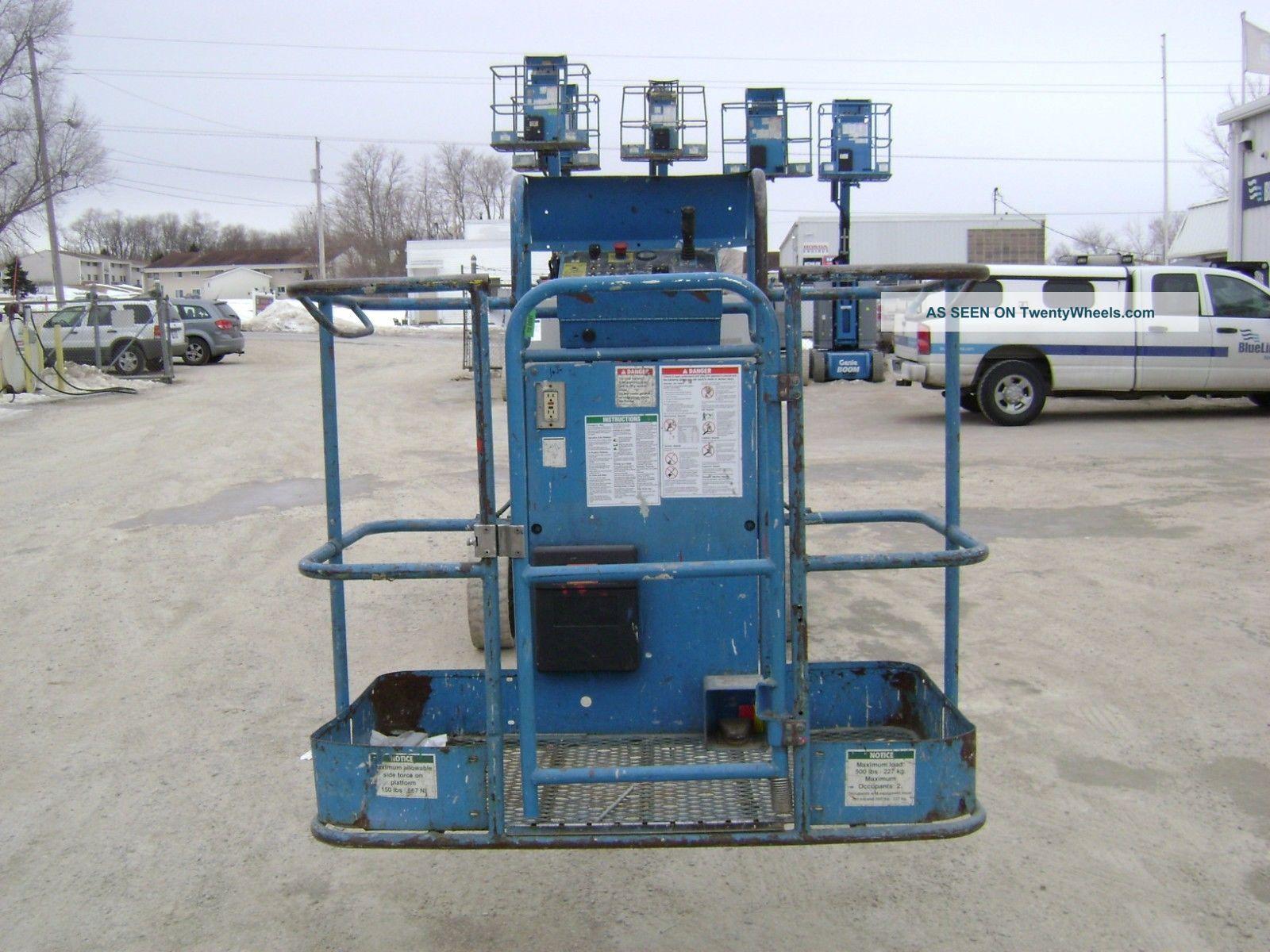 Narrow Articulating Boom Lift : Genie z n narrow articulating boom lift work