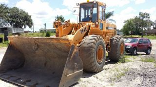 744e John Deere Loader photo