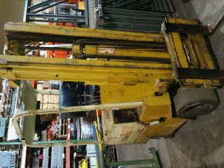 Yale Electric Forklift photo
