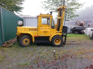1977 Hyster H - 110 Fork Lift Propane photo