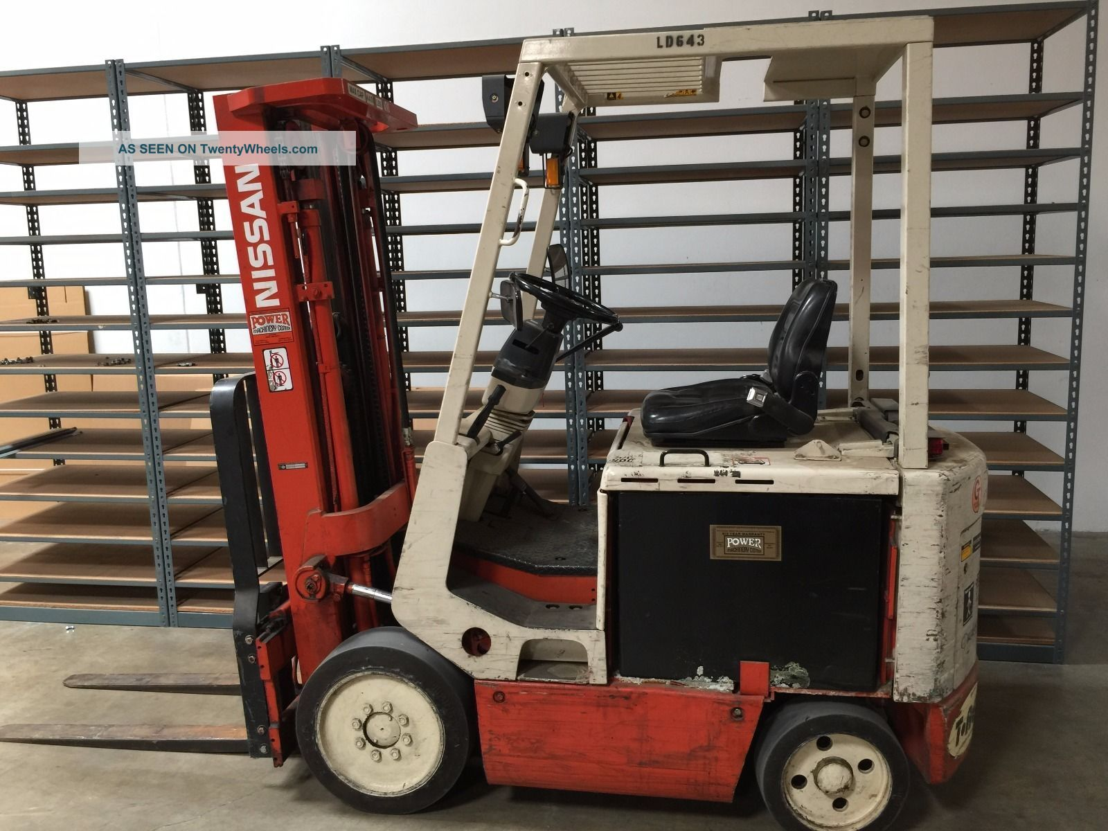 Nissan Electric Forklift Cym02l25s - Es And Charging Unit