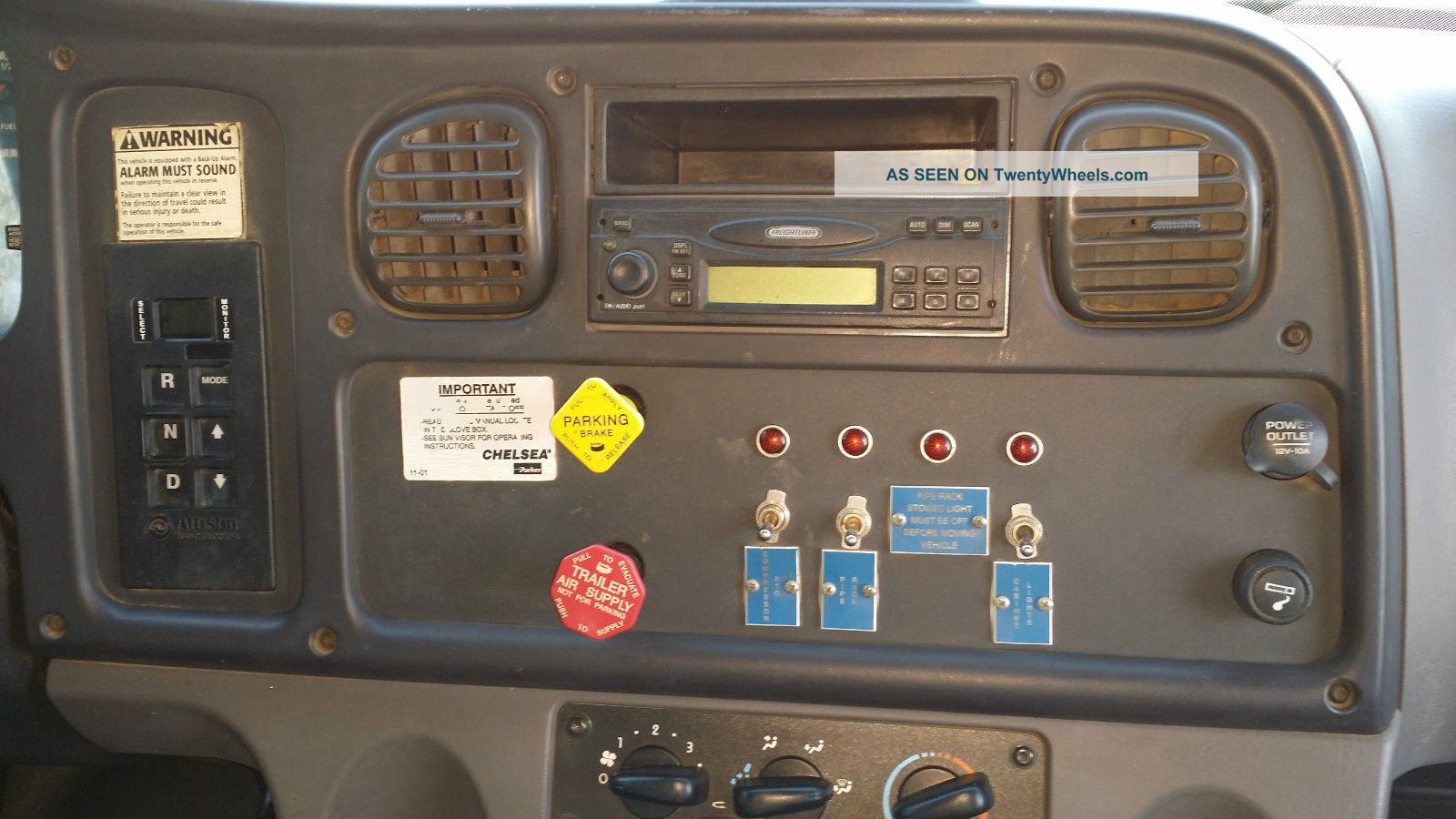 2007 Freightliner M2 106 Business Class Cng