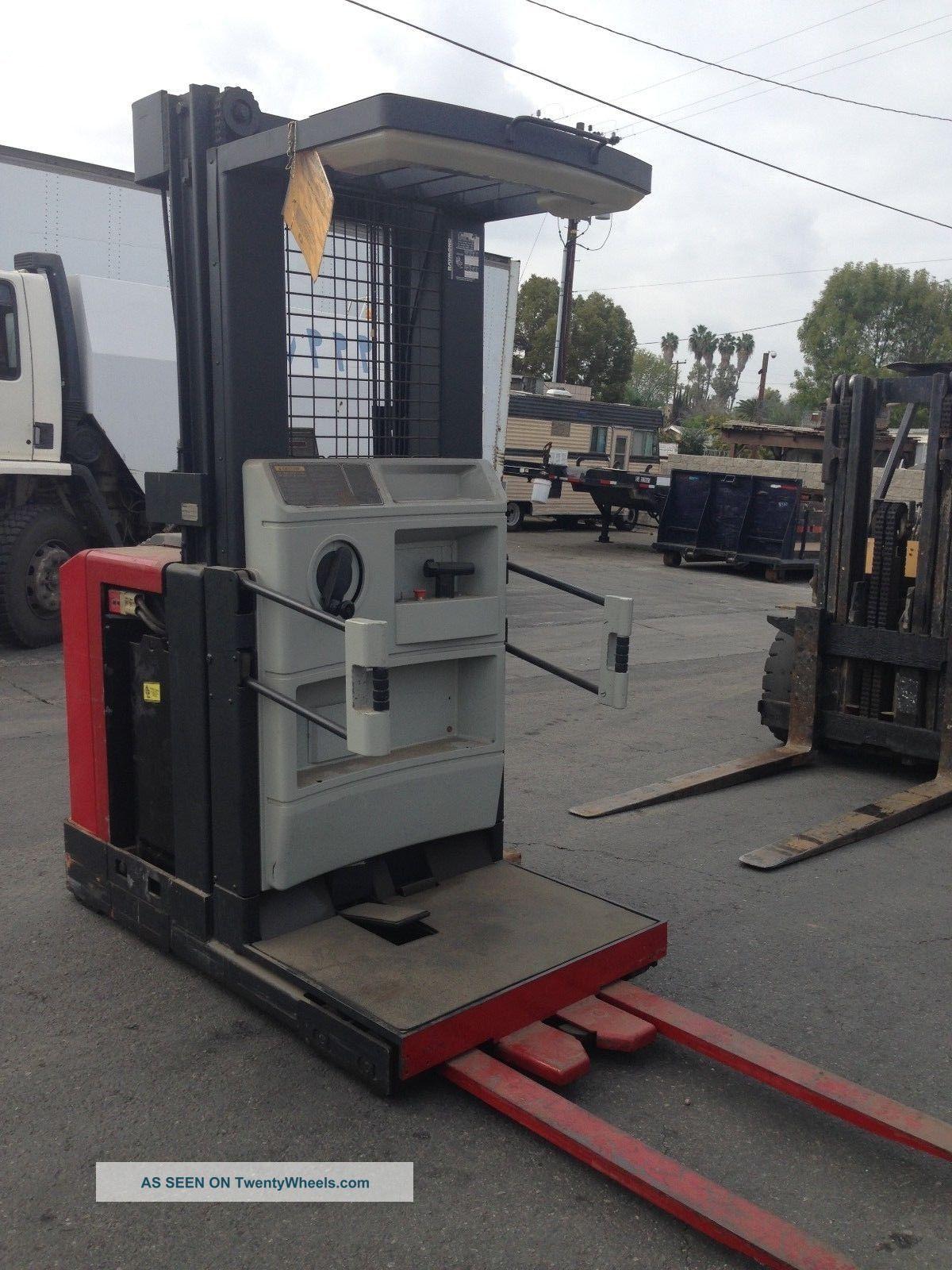 Raymond 152 - Opc30tt Order Picker Truck Forklift