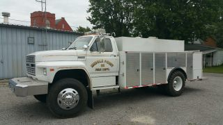 1985 Ford 800 photo