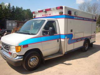 2005 Ford E450 photo