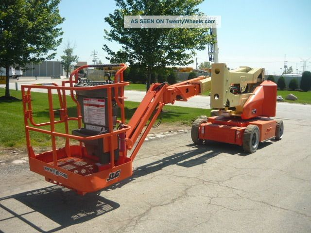Narrow Articulating Boom Lift : Jlg e ajpn electric articulating boom lift narrow