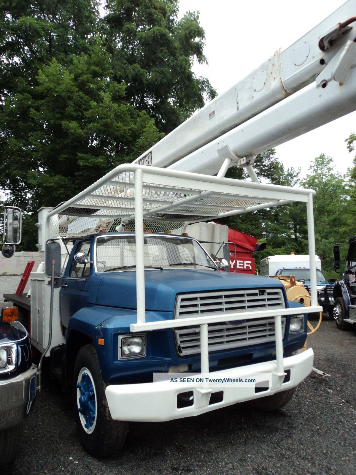 1985 Ford F700 Bucket Truck