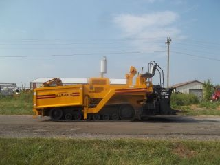1998 Blaw Knox Pf5510 Paver Carlson Screed 10 ' - 17 ' (good Machine) photo