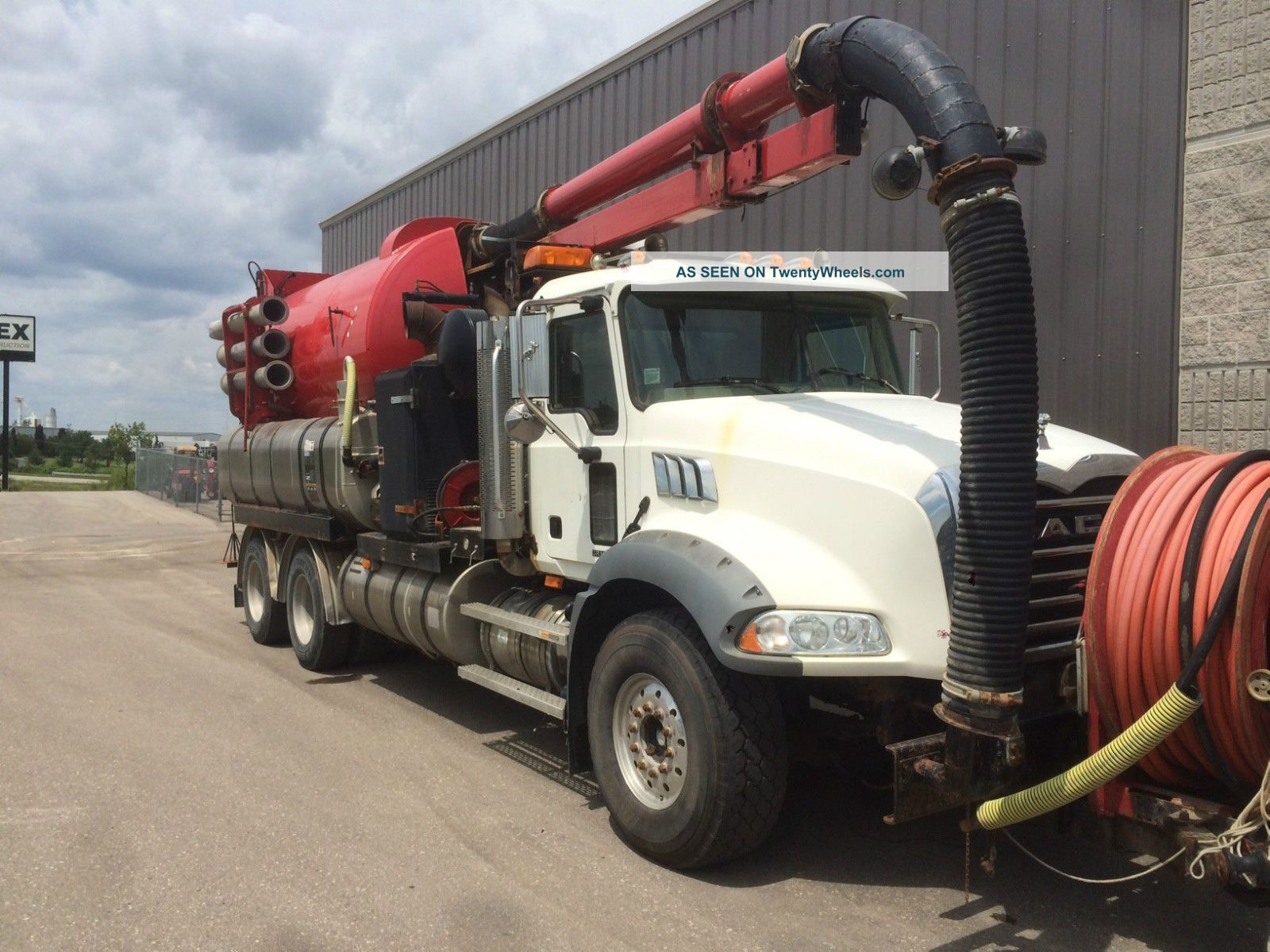 2006 Vactor Combo Unit On 2005 Mack Chassis (trade - In) Other Heavy Duty Trucks photo