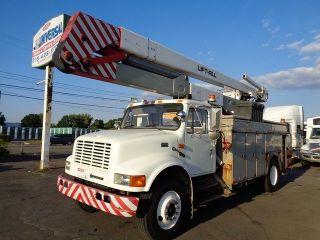 2002 International 4900 60 ' Bucket Boom Truck photo