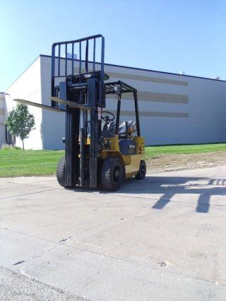 Forklift:1999 Cat Gp25: Lpg,  Pneumatic,  3852 photo