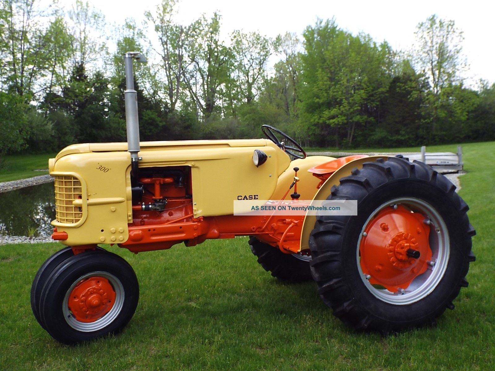 Case Tractors 300 Series : Case tractor model