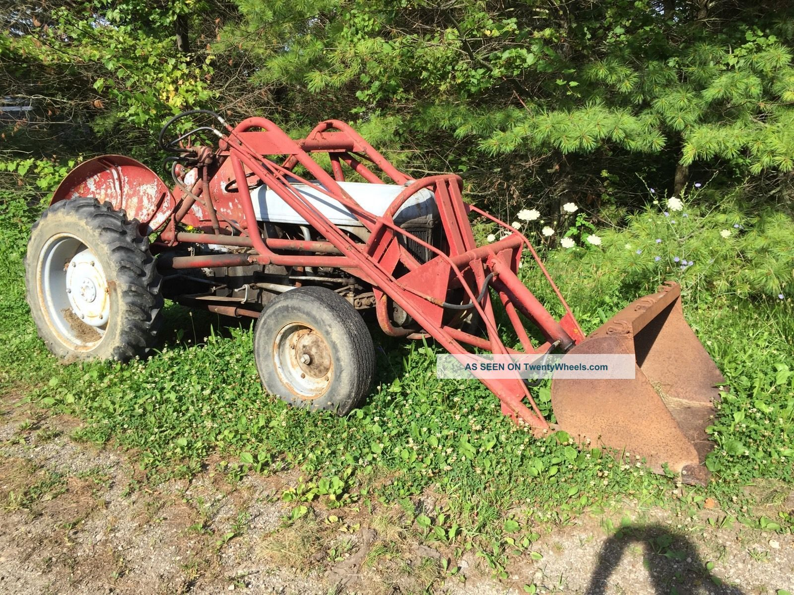 Ford 9n Loader : Front end loader for ford n
