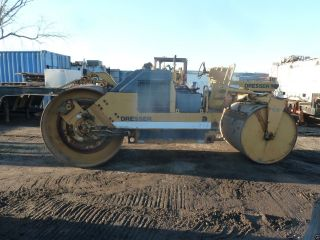 Roller/compactor photo