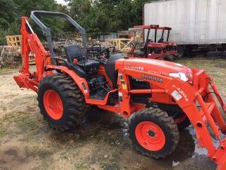 Kubota B3300su Tractor Loader Backhoe Excellent Shape photo
