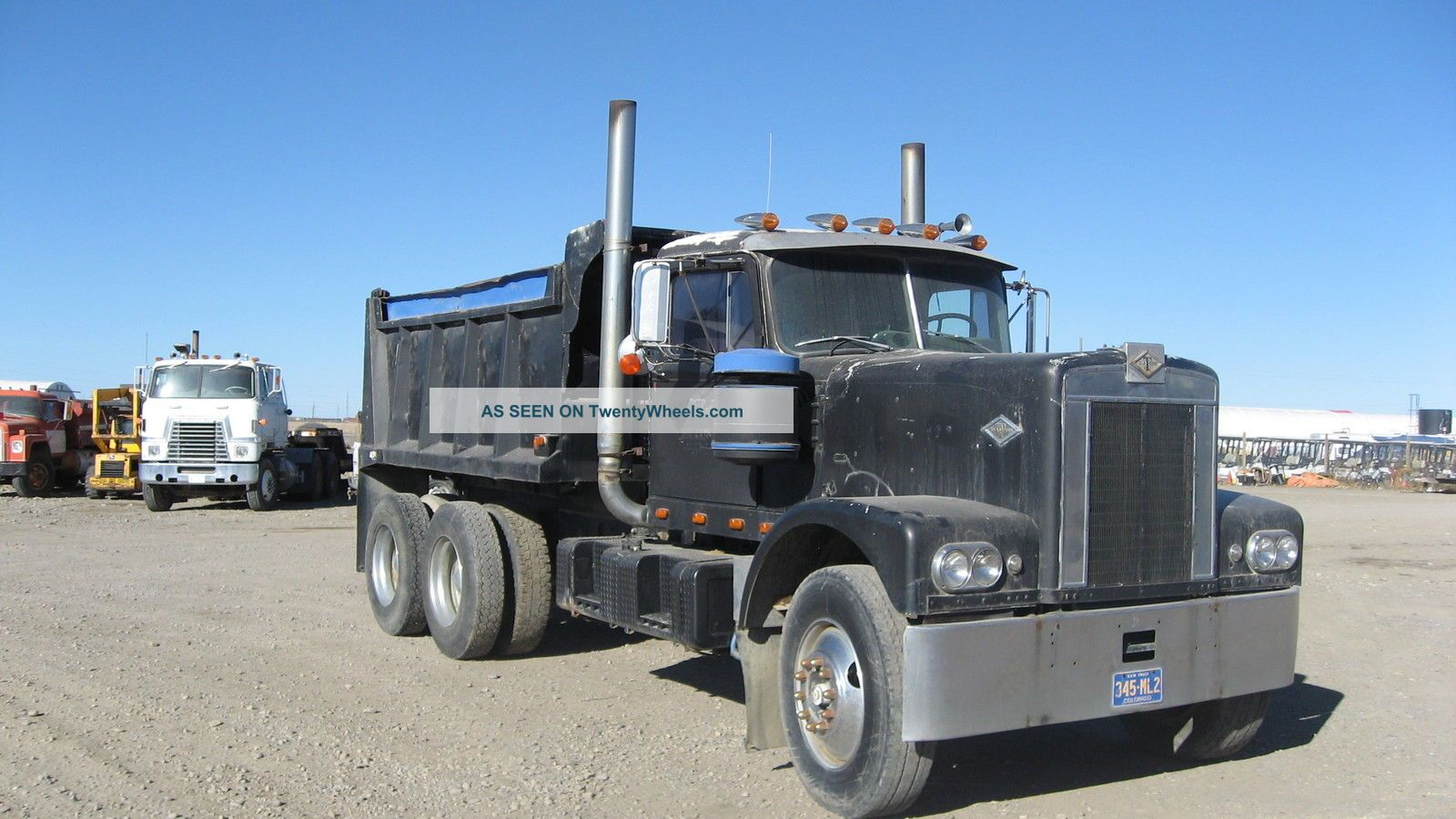 Diamondt 1046fl Dump Truck Dump Trucks photo