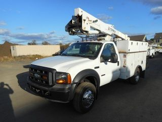 2006 Ford F450 Bucket Boom Truck photo