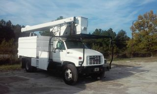 1998 Gmc C7500 Bucket Truck photo